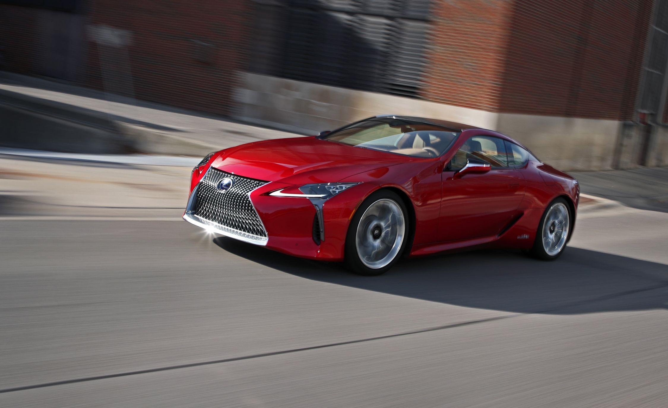 10-mẫu-xe-dùng-động-cơ-V6-đỉnh-1-thế-giới (7).jpg
