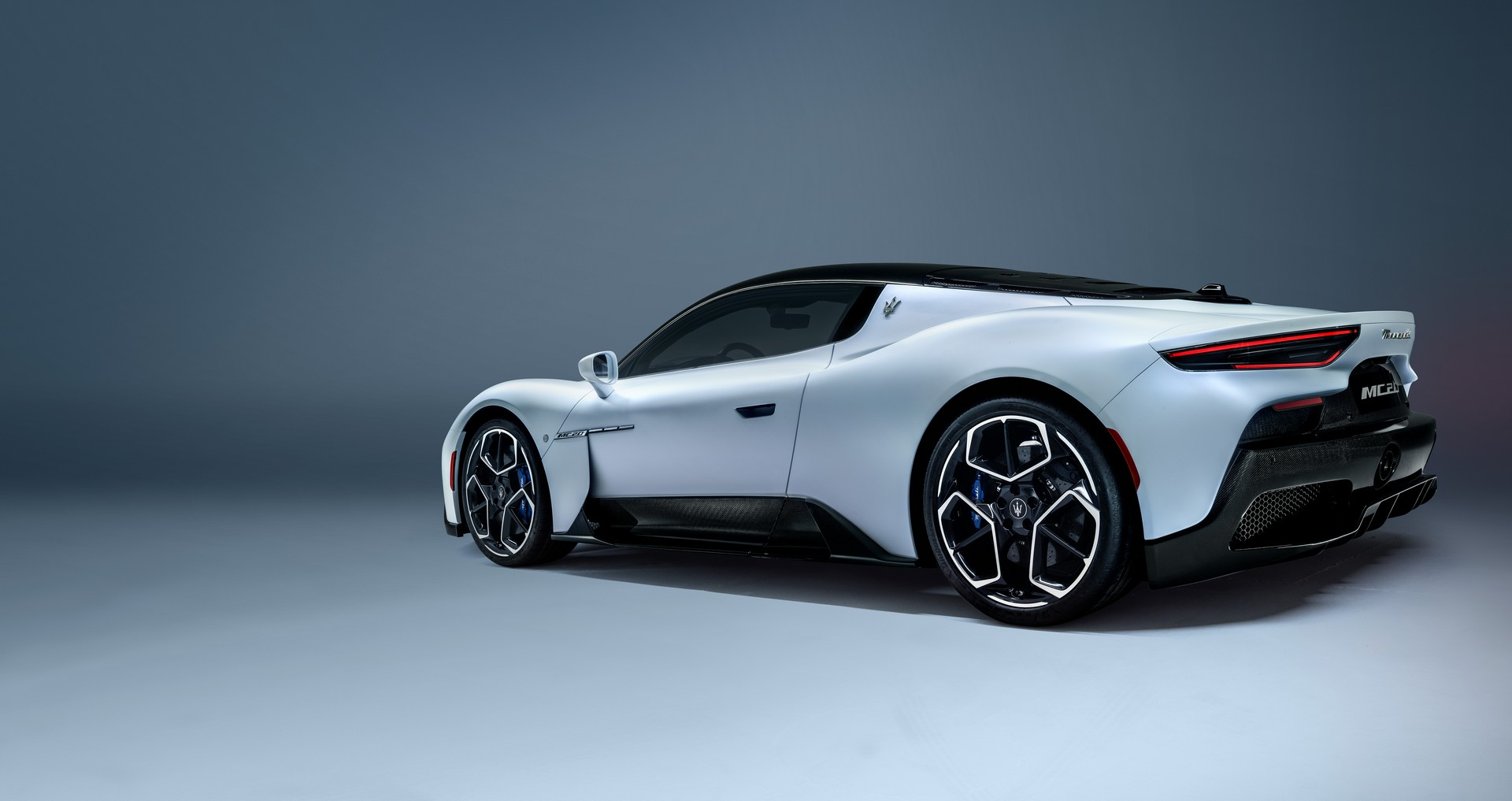 10-mẫu-xe-dùng-động-cơ-V6-đỉnh-nhất-thế-giới (2).jpg