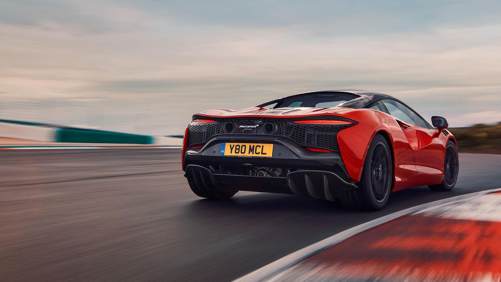 10-mẫu-xe-dùng-động-cơ-V6-đỉnh-nhất-thế-giới (5).jpg