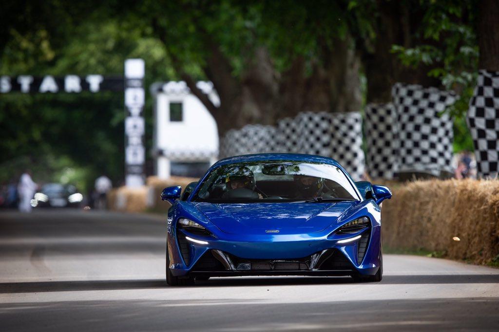 10-mẫu-xe-dùng-động-cơ-V6-đỉnh-nhất-thế-giới (9).jpg