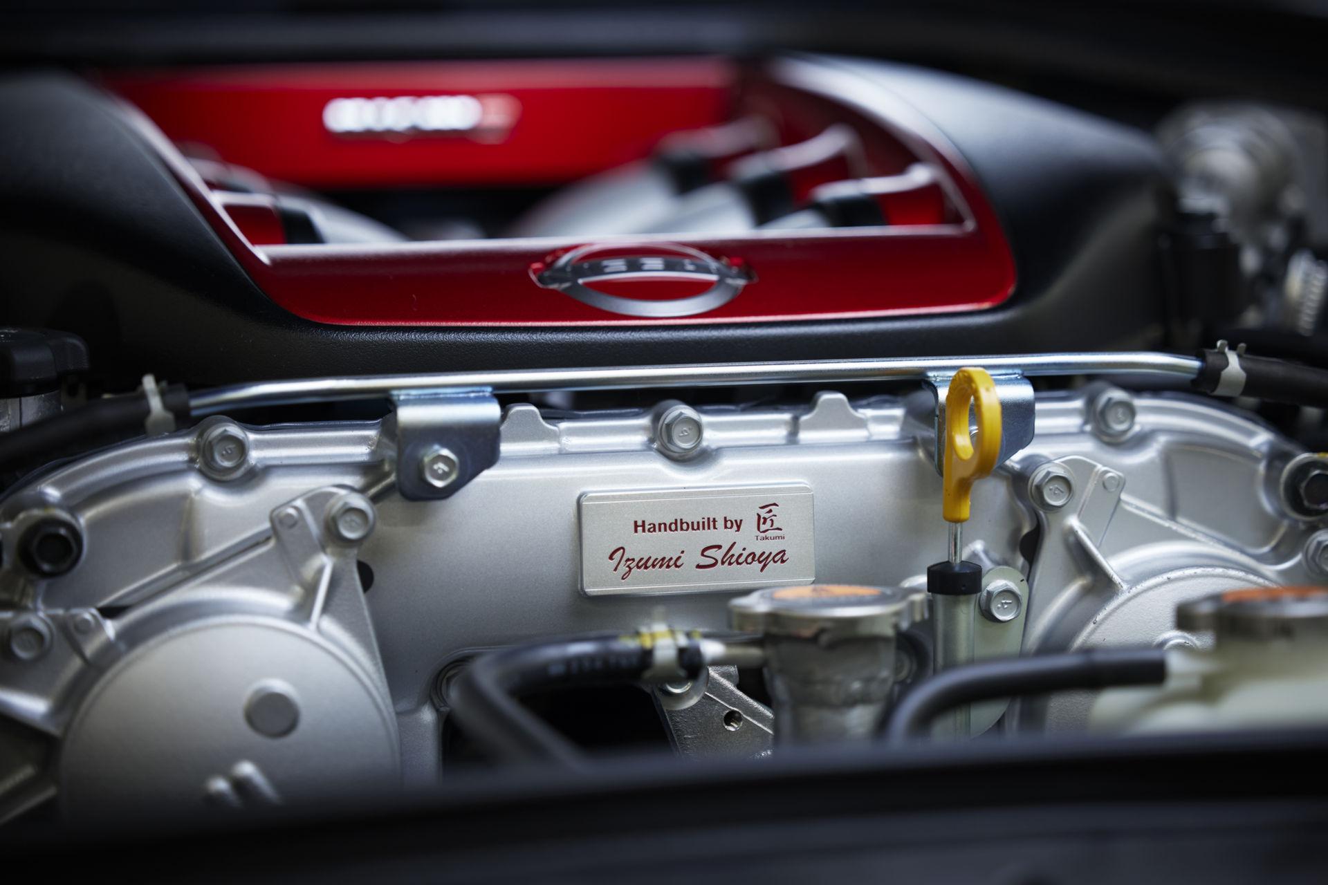 2022-Nissan-GT-R-Nismo-23.jpg