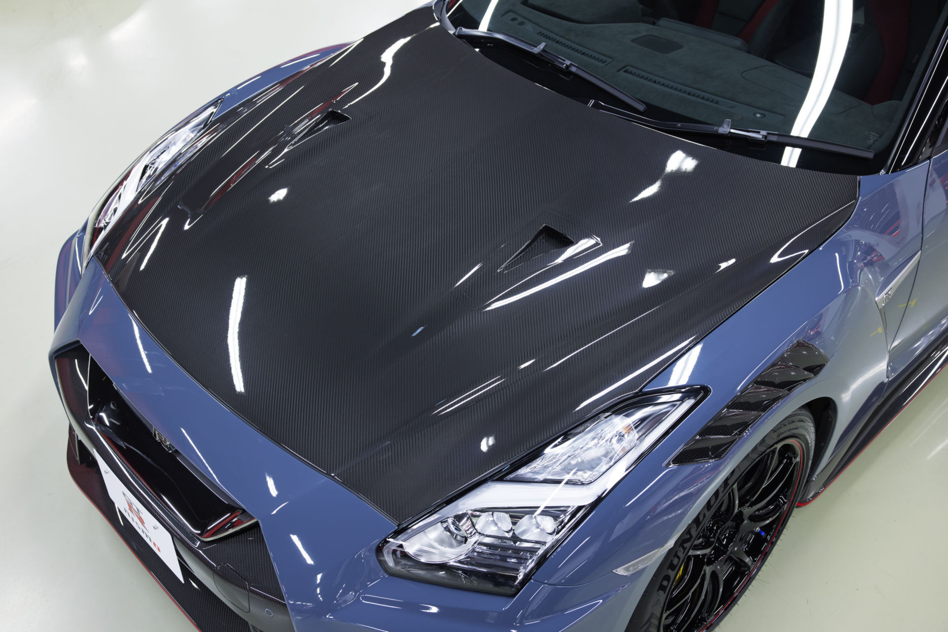 2022-Nissan-GT-R-Nismo-33.jpg
