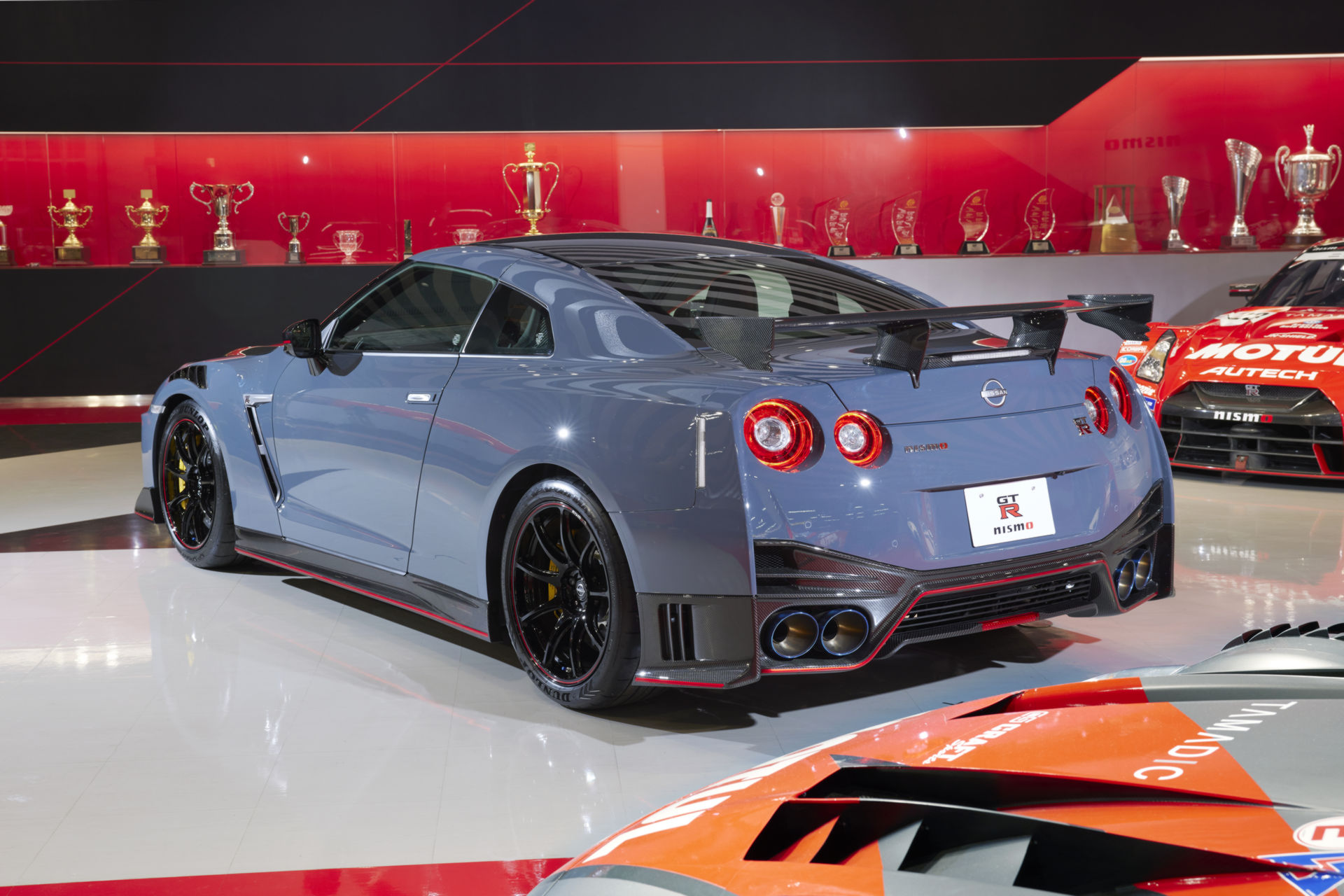 2022-Nissan-GT-R-Nismo-4.jpg