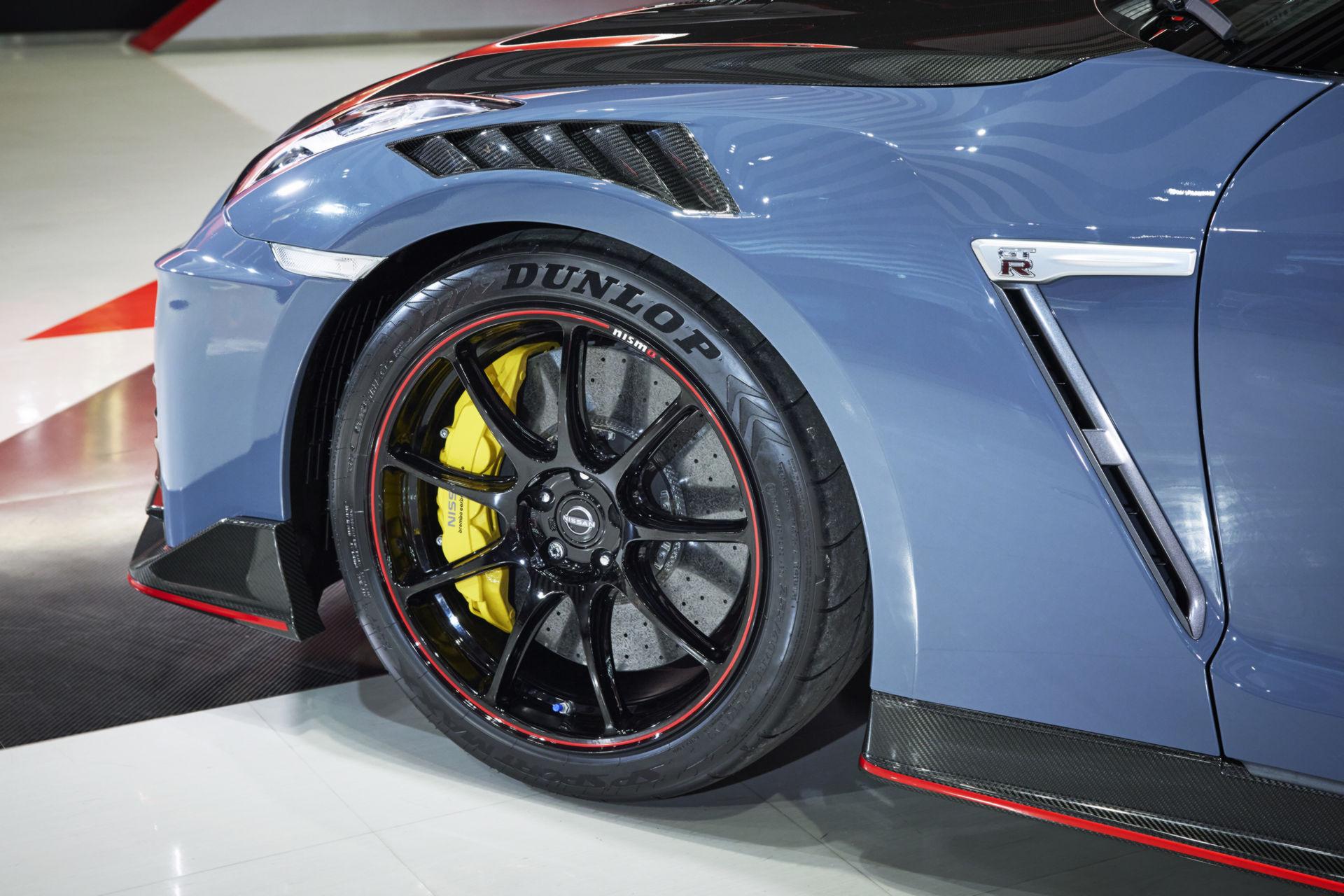 2022-Nissan-GT-R-Nismo-8.jpg