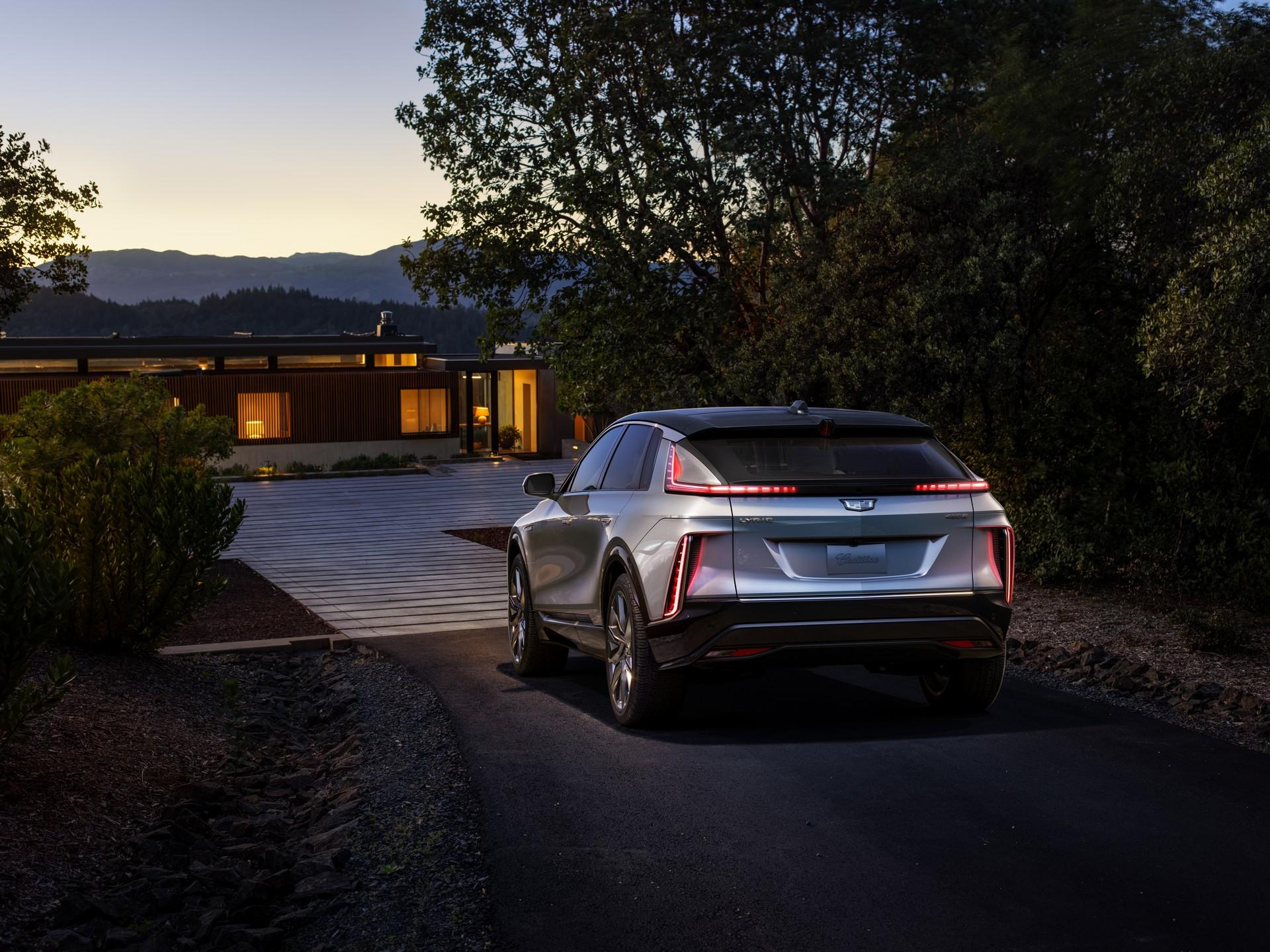 2023-Cadillac-Lyriq-1.jpg