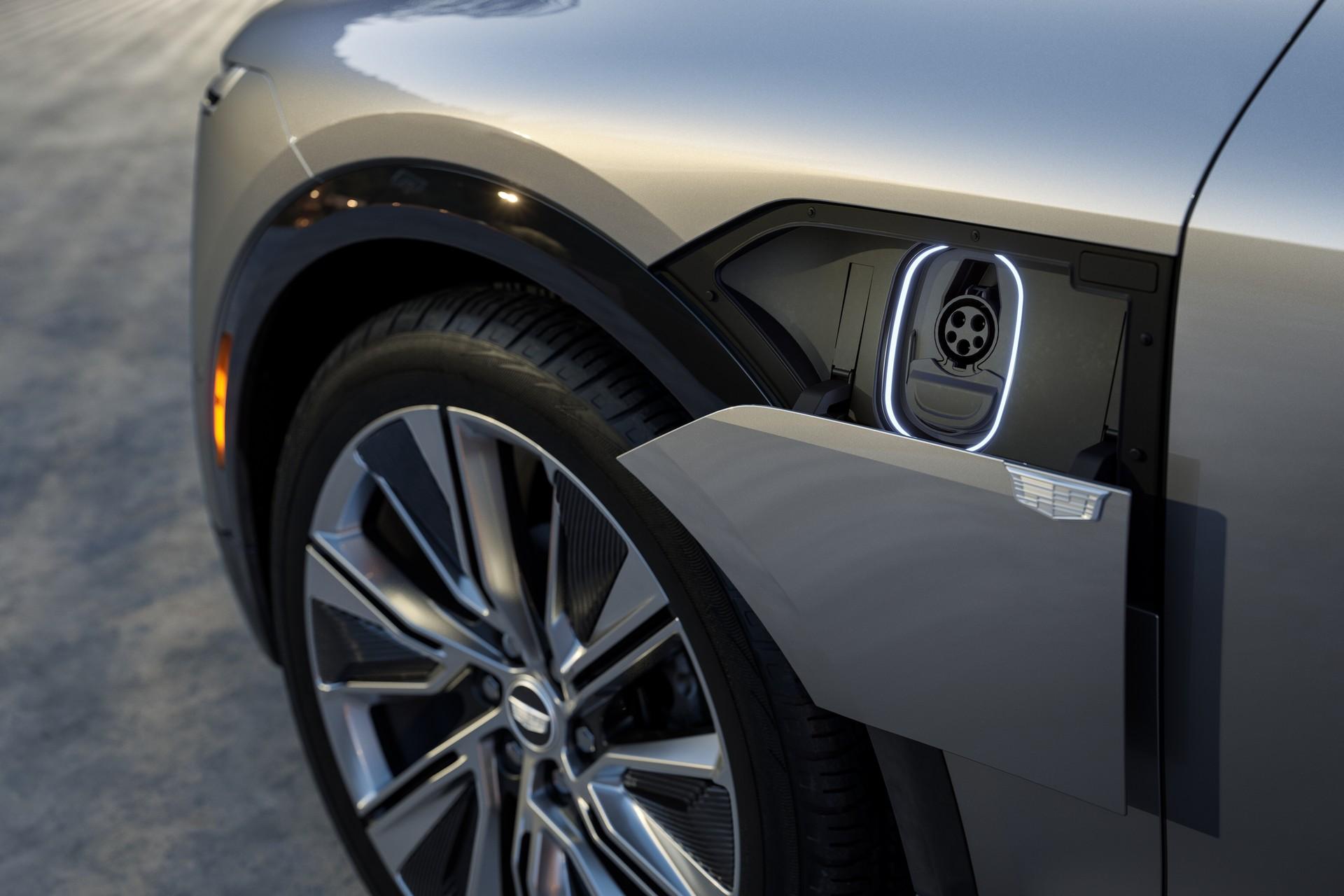 2023-Cadillac-Lyriq-2.jpg