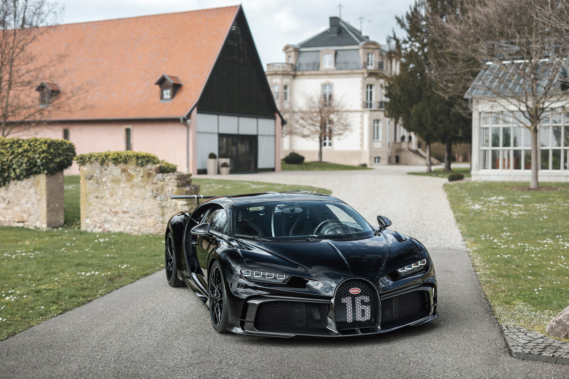 300th Bugatti Chiron (14).jpg