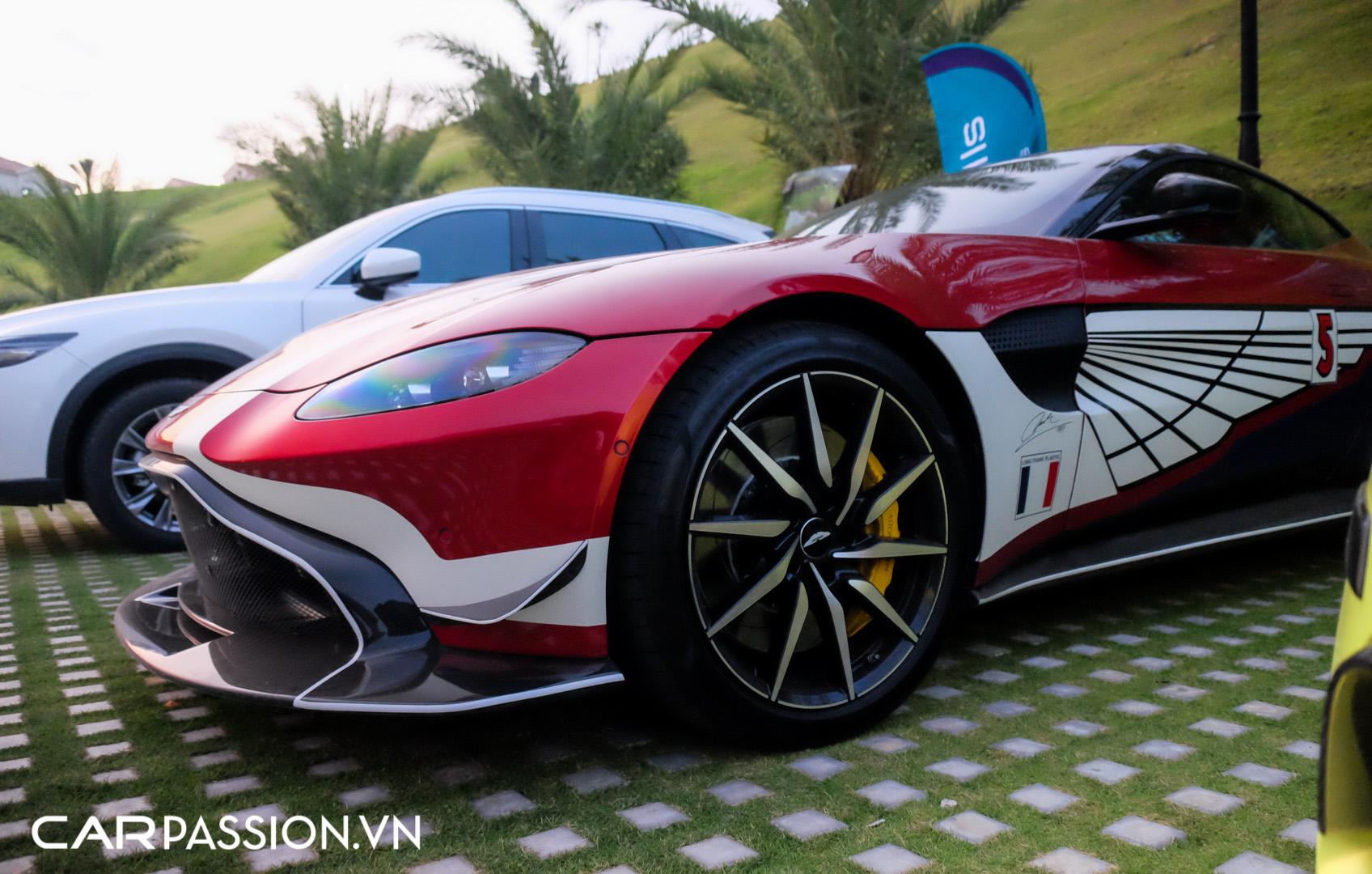 Aston Martin Vantage của doanh nhân Phạm Trần Nhật Minh (8).JPG
