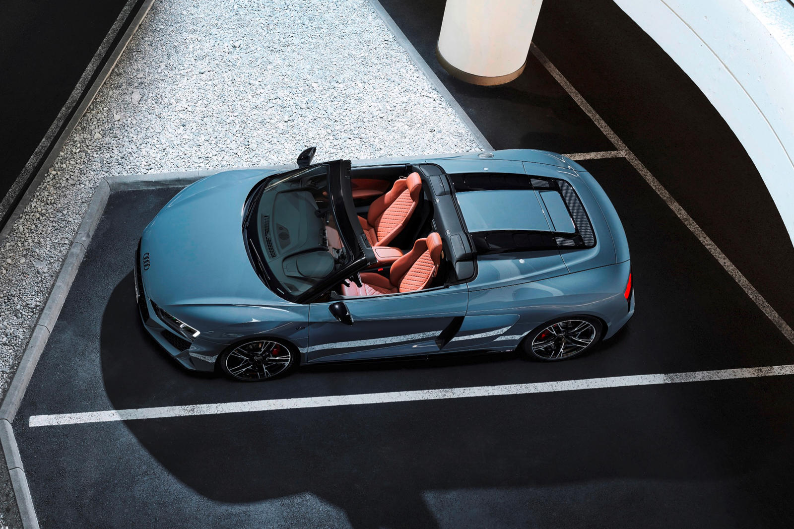 Audi R8 V10 RWD (12).jpg