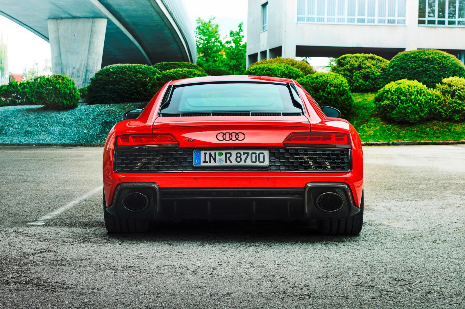 Audi R8 V10 RWD (16).jpg