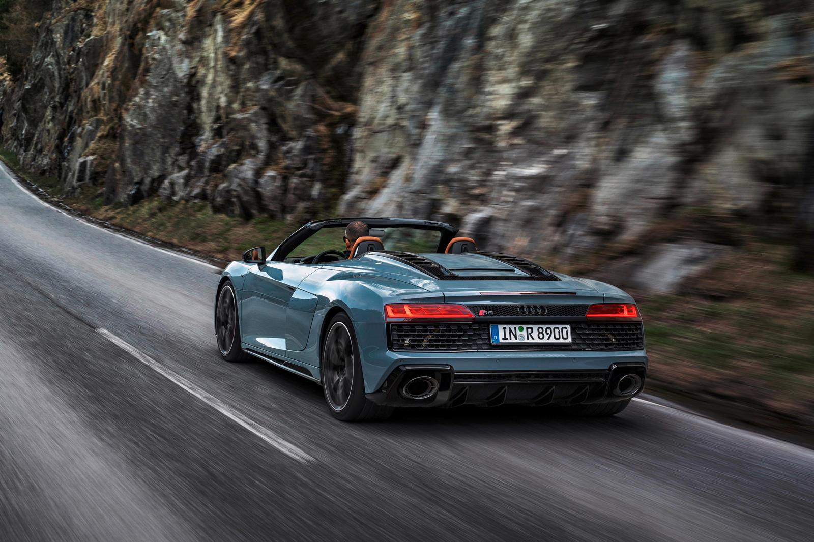 Audi R8 V10 RWD (19).jpg