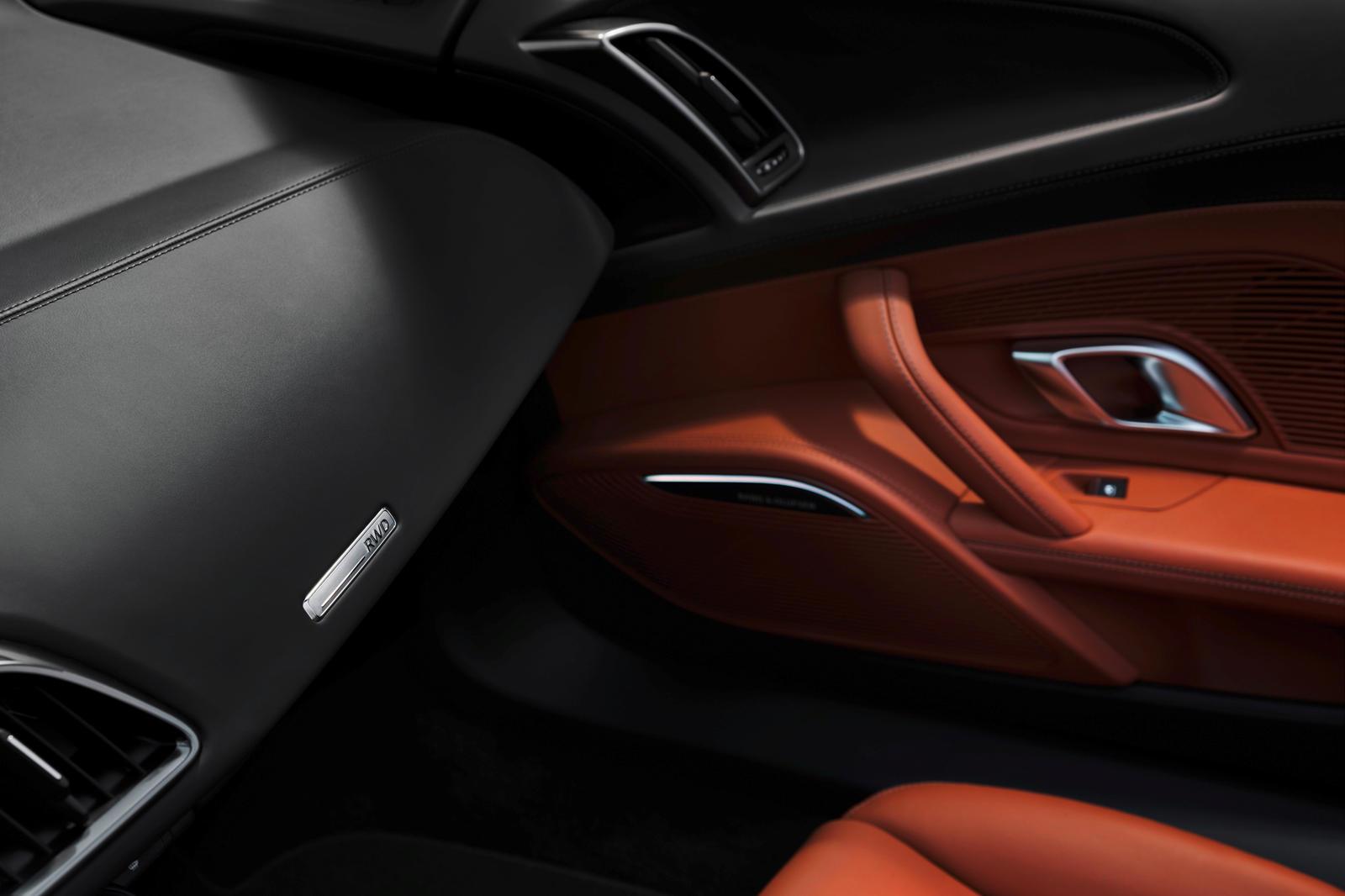 Audi R8 V10 RWD (4).jpg