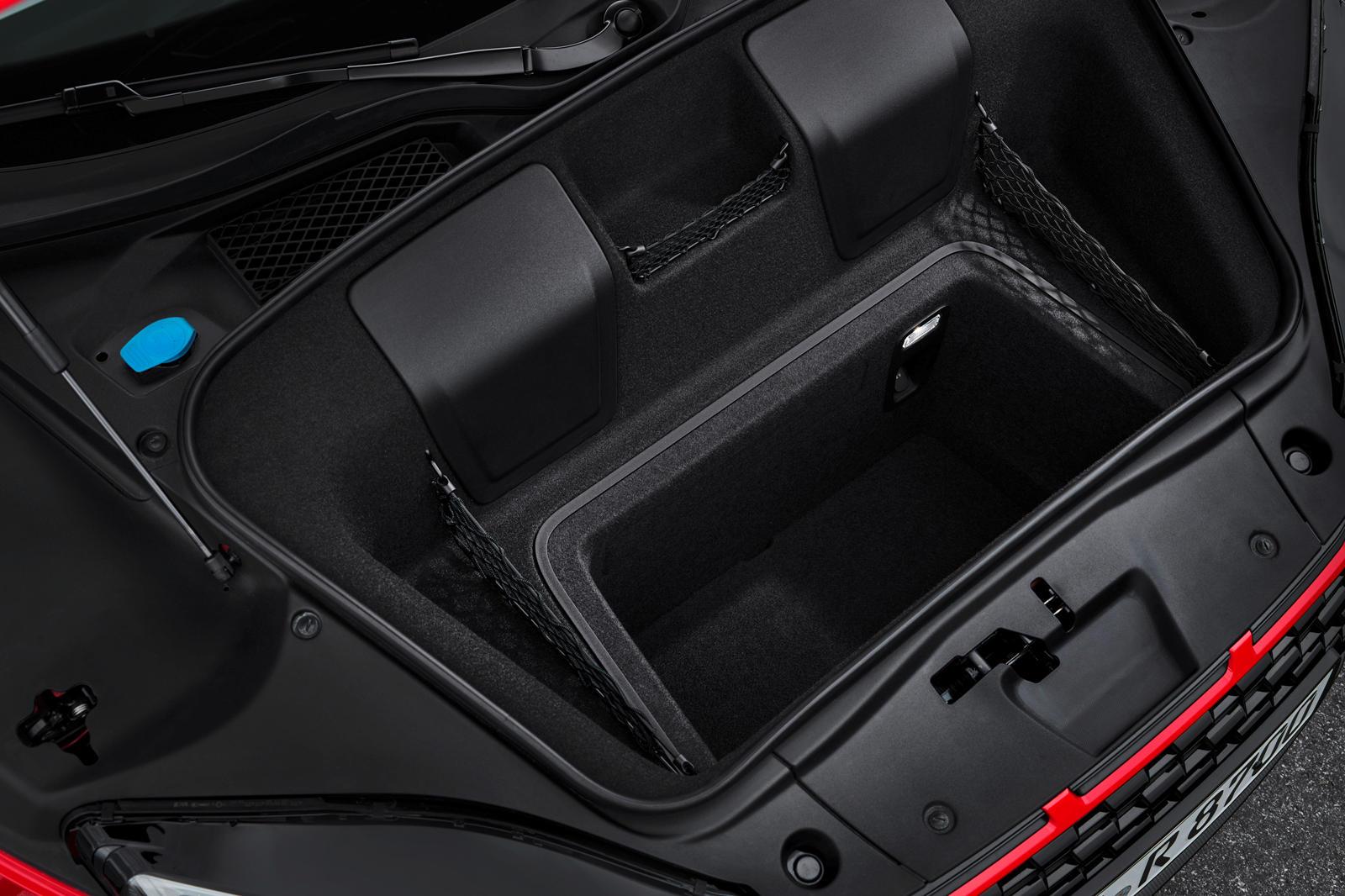 Audi R8 V10 RWD (6).jpg