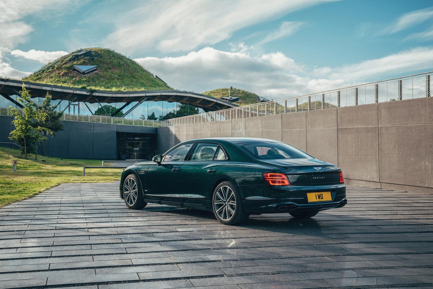 Bentley Flying Spur Hybrid (10).JPG