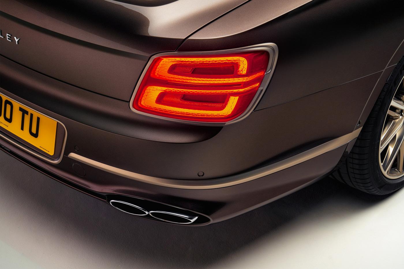 Bentley Flying Spur Hybrid Odyssean Edition (3).JPG