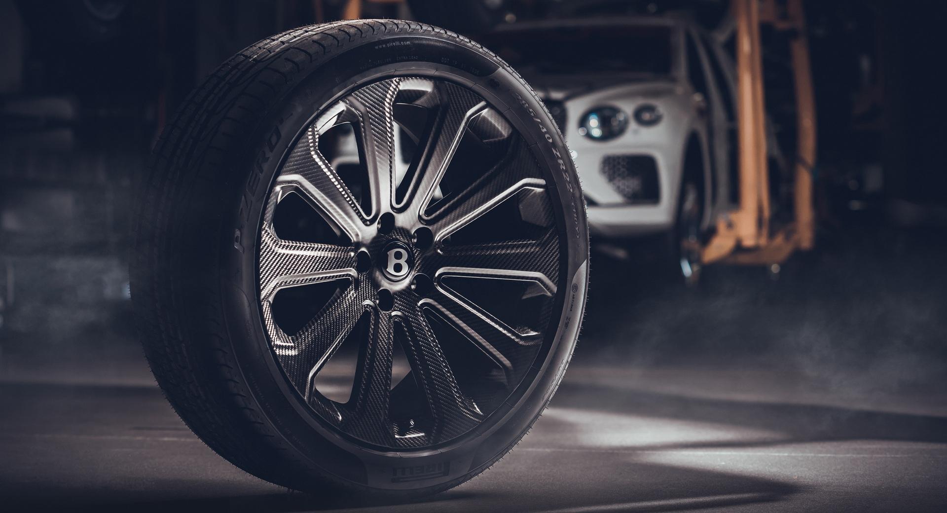 Bentley-ra-mắt-mâm-xe-bằng-sợi-carbon-cho-Bentayga (1).jpg