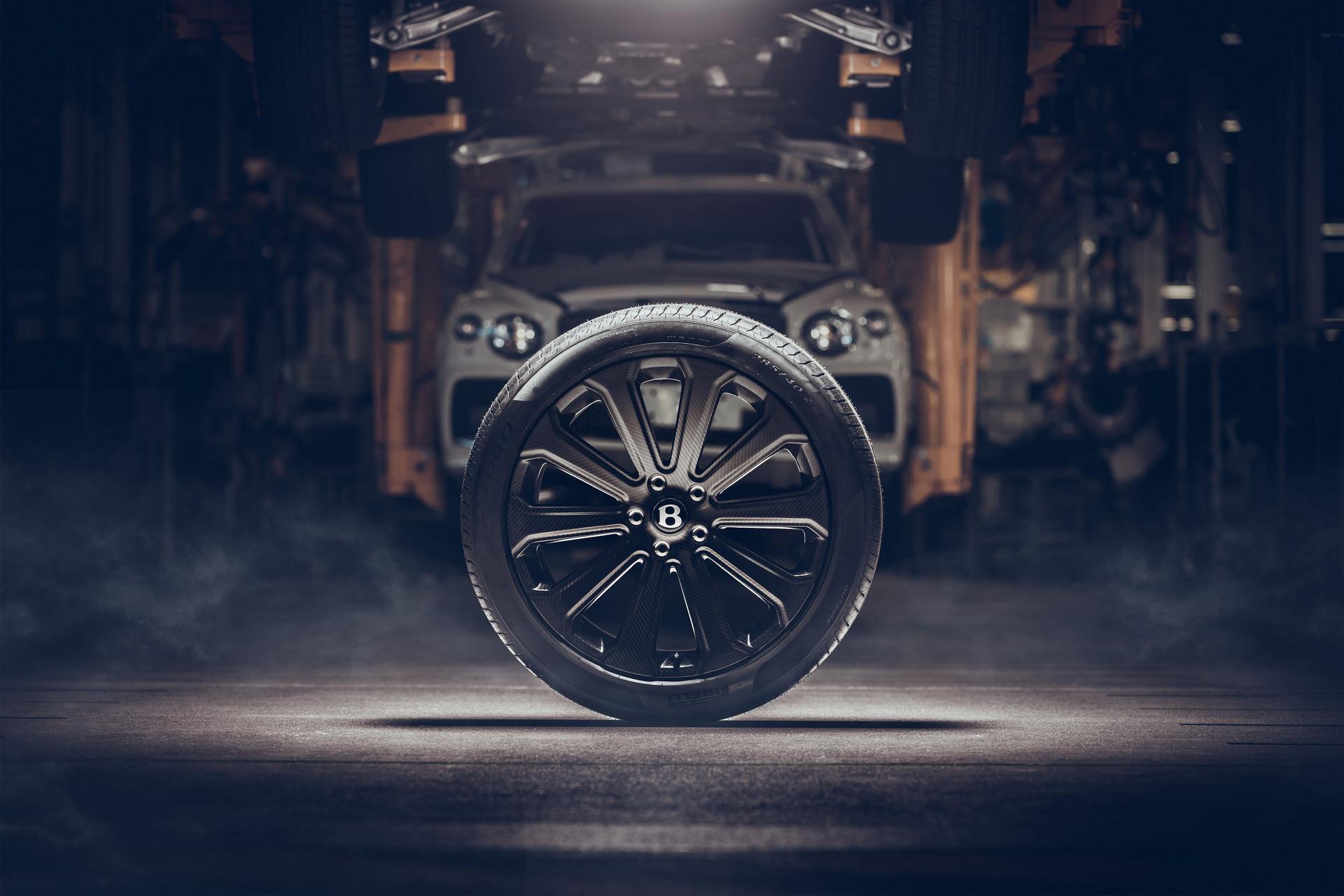 Bentley-ra-mắt-mâm-xe-bằng-sợi-carbon-cho-Bentayga (5).jpg