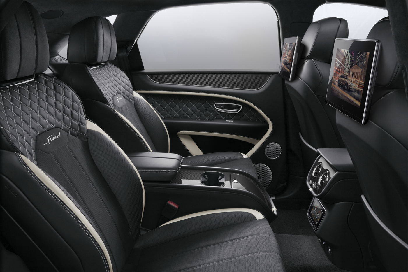 Bentley Rear Entertaiment System (2).JPG