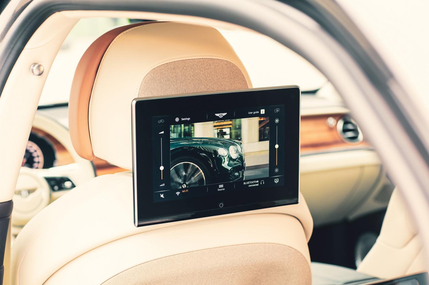 Bentley Rear Entertaiment System (4).JPG