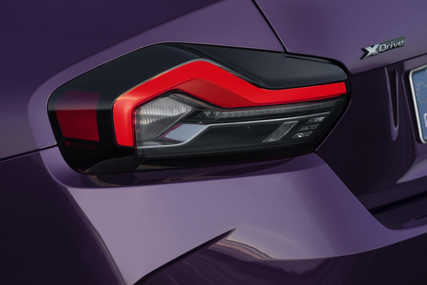 BMW-2-series-2022-ra-mắt-với-giá-bán-từ-36350-usd-19.jpg