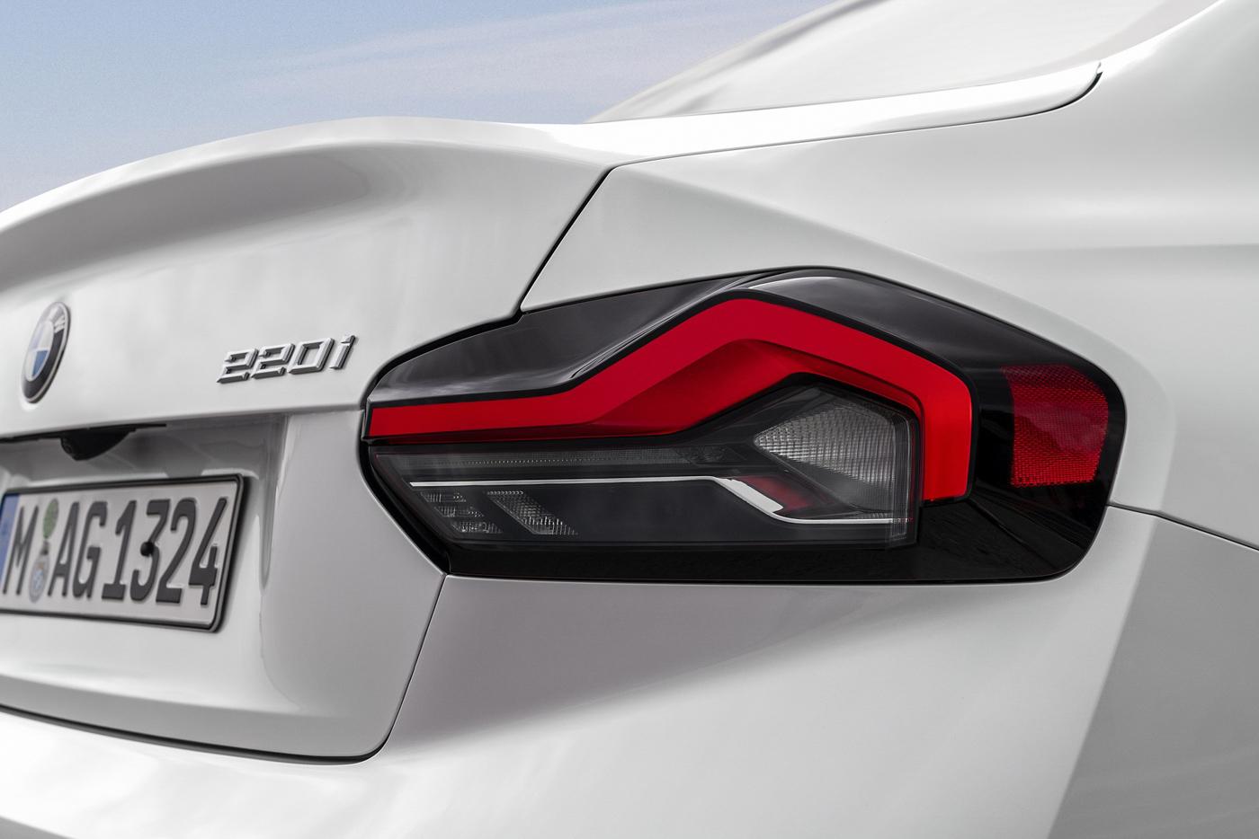 BMW-2-series-2022-ra-mắt-với-giá-bán-từ-36350-usd-28.jpg