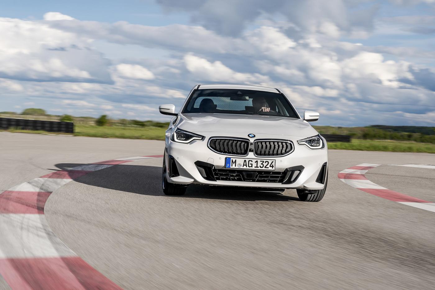 BMW-2-series-2022-ra-mắt-với-giá-bán-từ-36350-usd-35.jpg