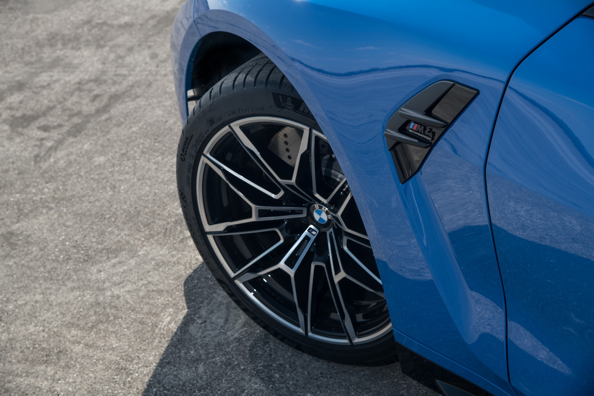 BMW-M3-M4-Competition-xDrive-36.jpg