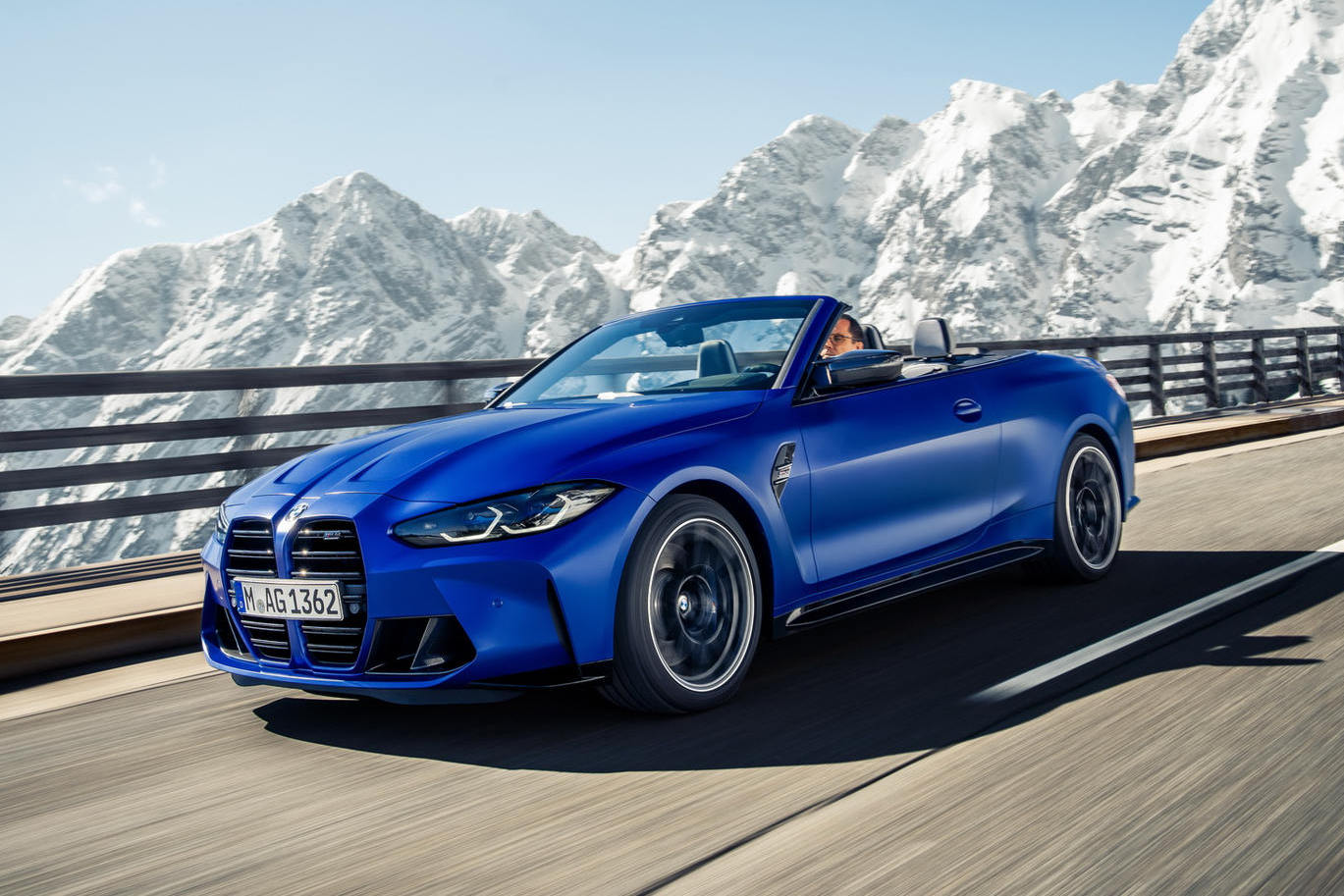 BMW-M4-Competition-Convertible-xdrive_00.jpg