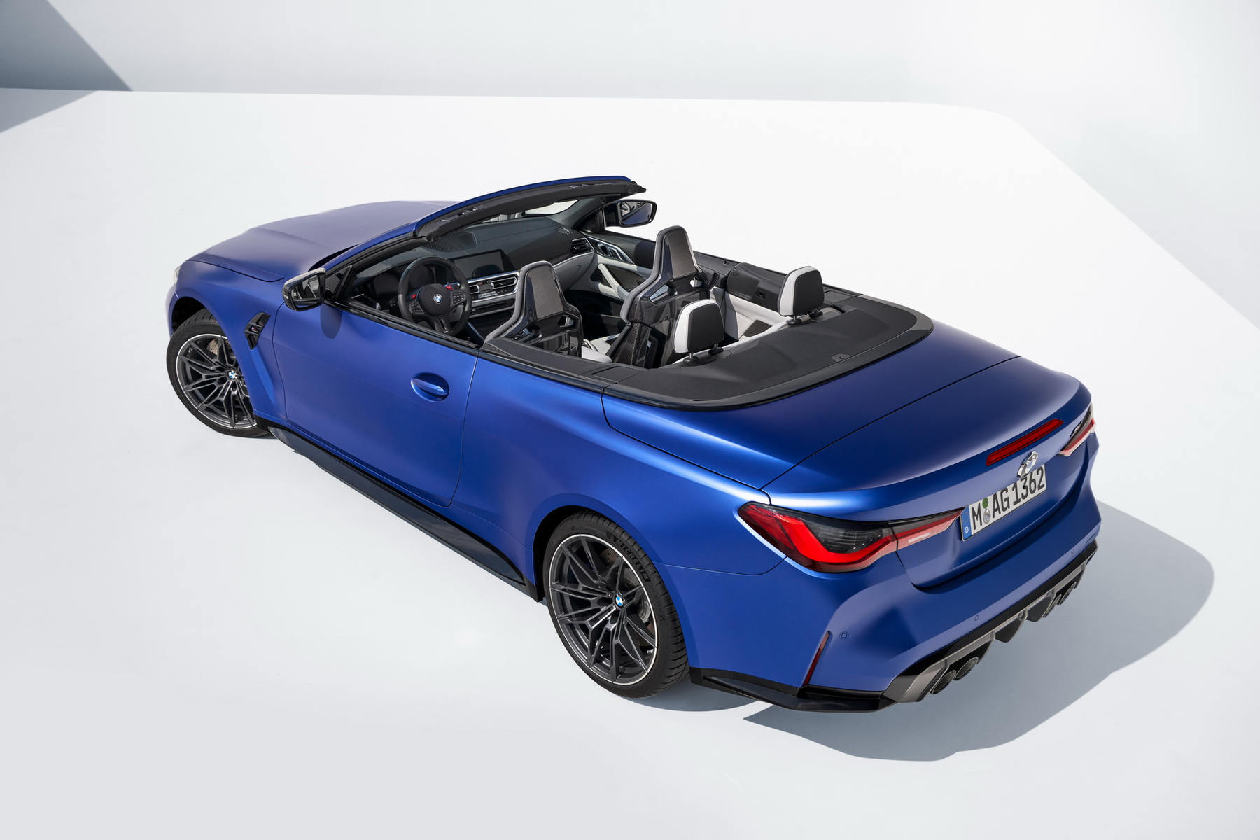 BMW-M4-Competition-Convertible-xdrive_01.jpg