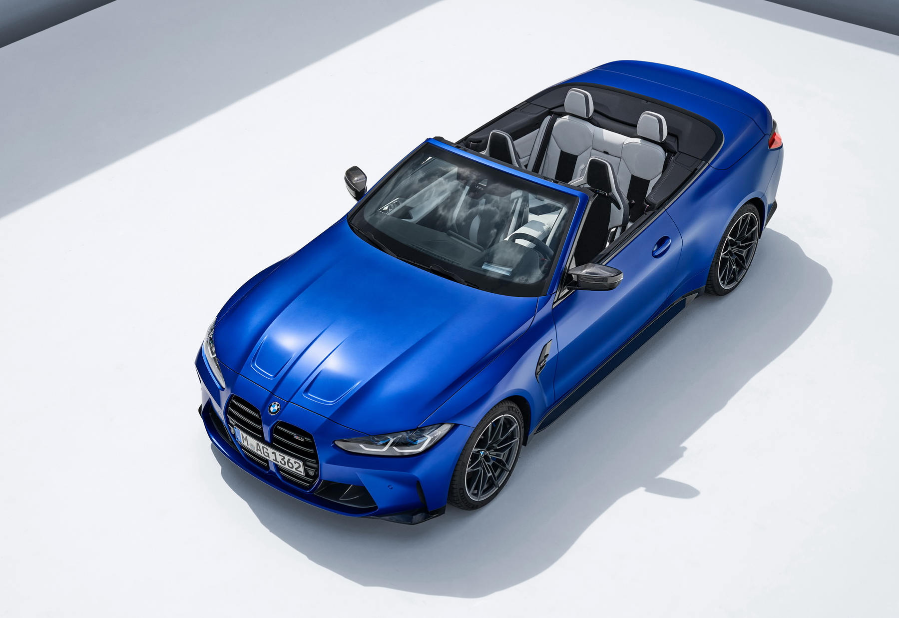 BMW-M4-Competition-Convertible-xdrive_03.jpg