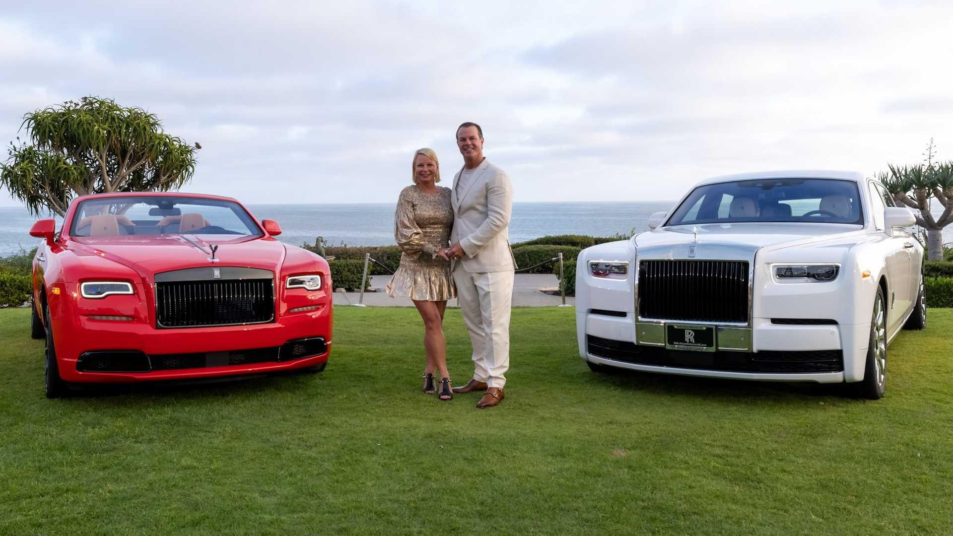 Bộ-đôi-Rolls-Royce-cá-nhân-hóa-kỷ-niệm-dịp-đặc-biệt-của-chủ-nhân (17).jpg
