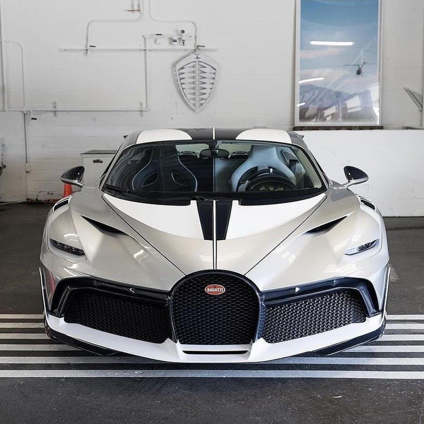 Bugatti Divo (6)-2.JPG