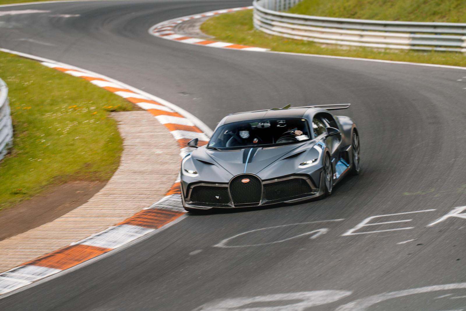 Bugatti-mang-dàn-hypercar-hơn-2-triệu-đô-đến-Nurburgring (2).jpg