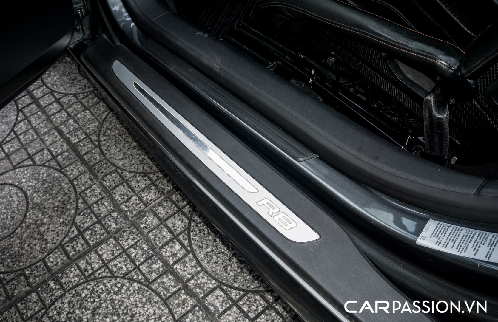 CP-Audi R8 V10 số sàn độ khủng (29).jpg