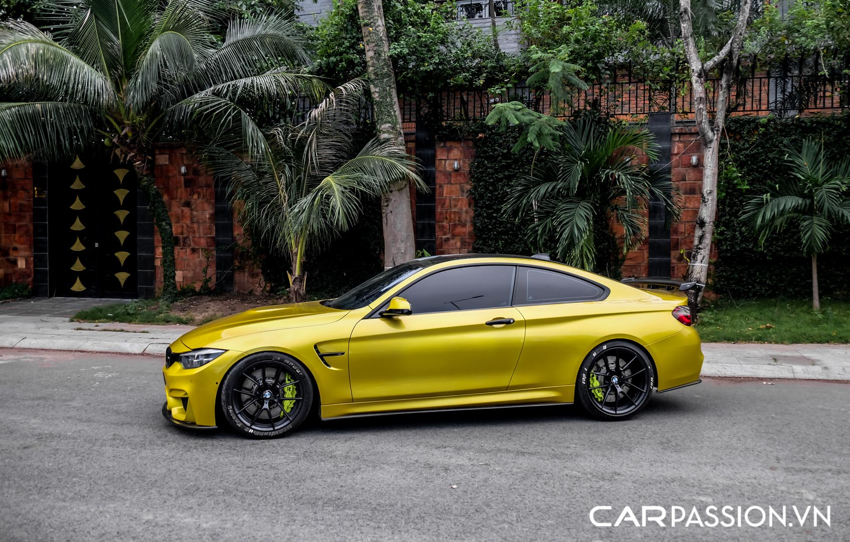 CP-BMW M4 F8 được rao bán (18).jpg