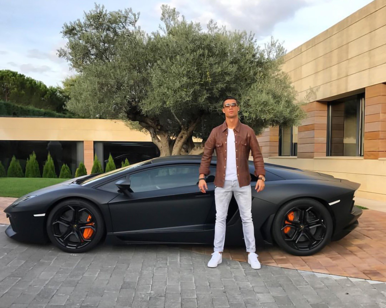 CP-Bộ sưu tập xe của Cristiano Ronaldo (13).jpg