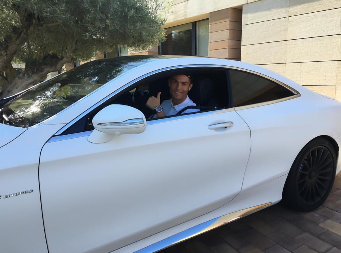 CP-Bộ sưu tập xe của Cristiano Ronaldo (14).jpg