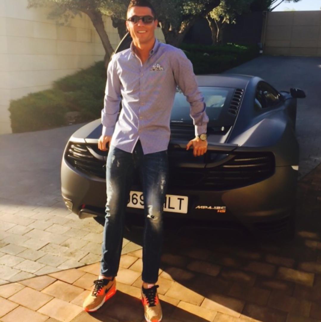 CP-Bộ sưu tập xe của Cristiano Ronaldo (25).jpg