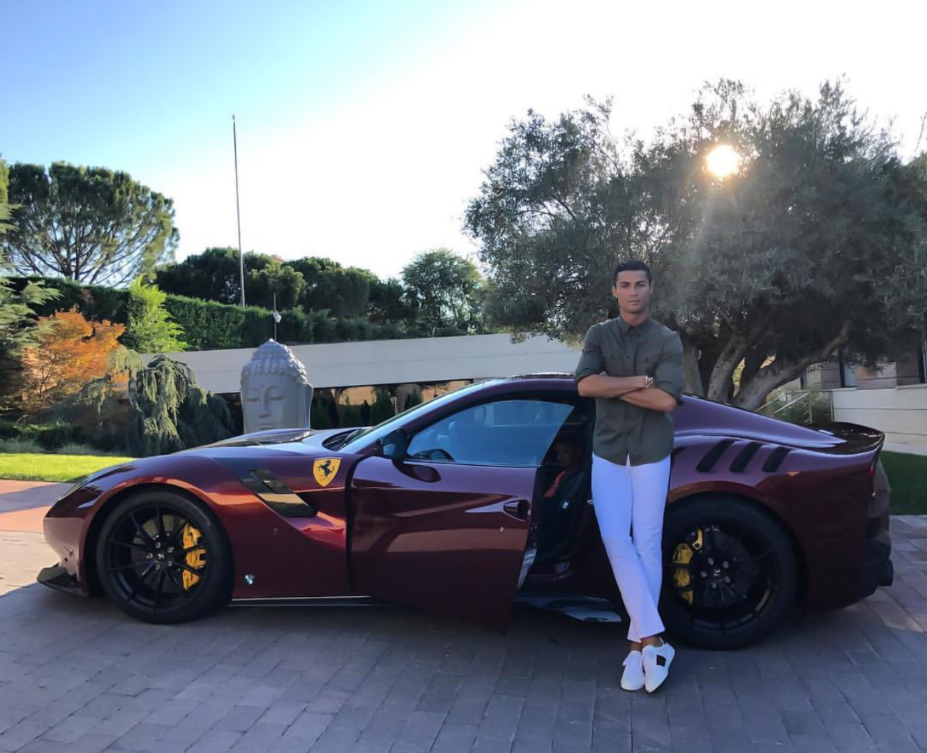 CP-Bộ sưu tập xe của Cristiano Ronaldo (6).jpg