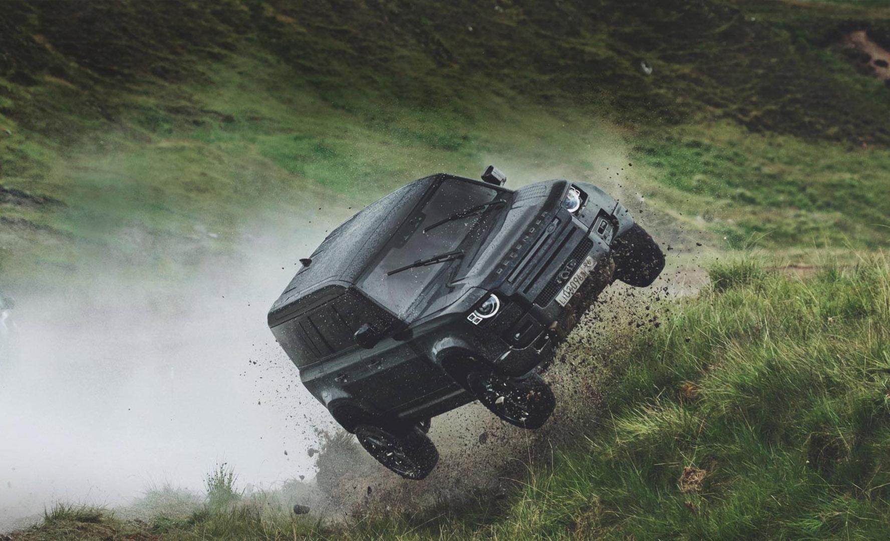CP-Dàn xe trong phim No Time To Die1.jpg