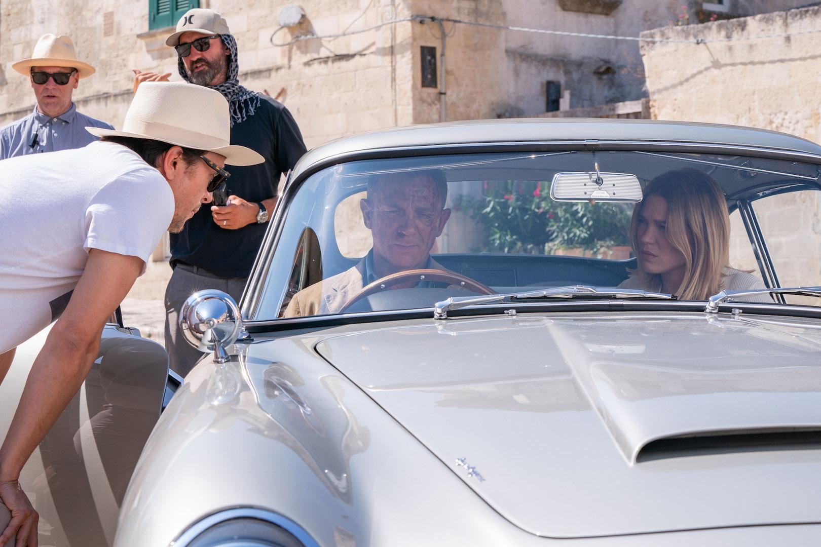 CP-Dàn xe trong phim No Time To Die12.jpg