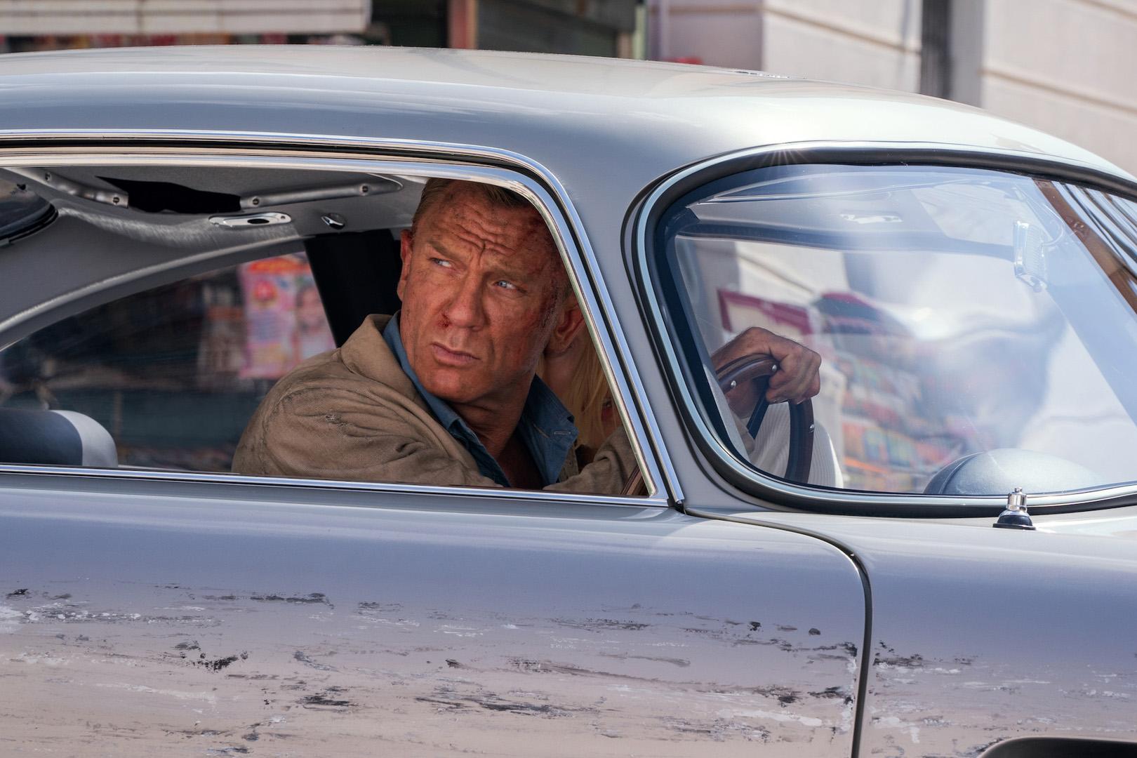 CP-Dàn xe trong phim No Time To Die13.jpg