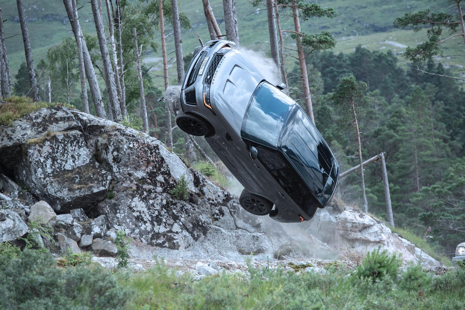 CP-Dàn xe trong phim No Time To Die32.jpg