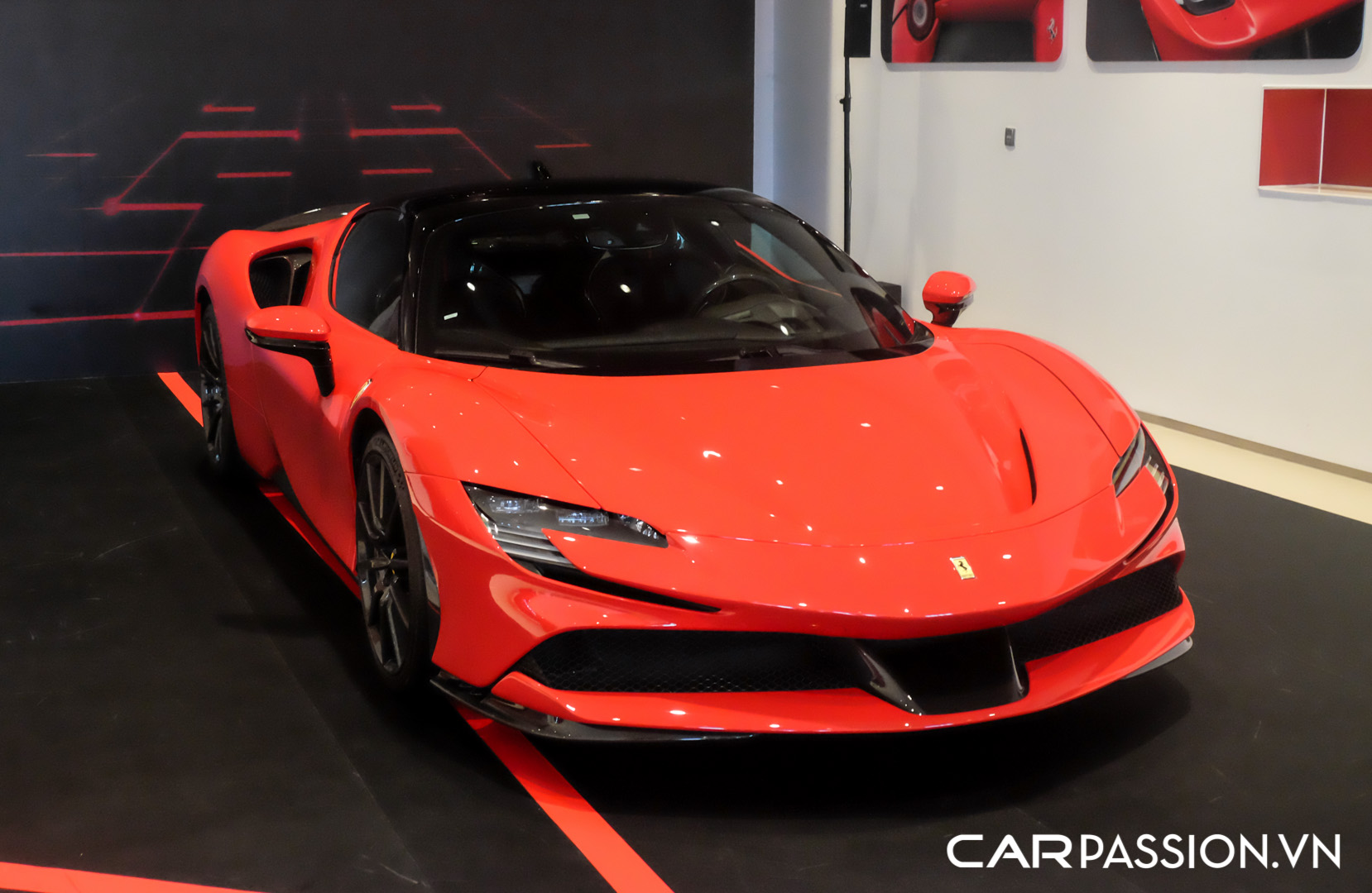 CP-Ferrari SF90 Stradale (1).JPG