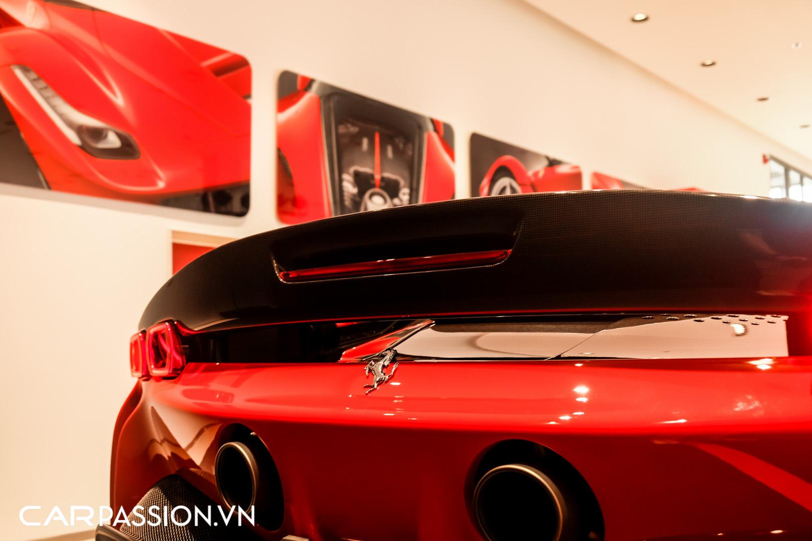 CP-Ferrari SF90 Stradale (40).JPG