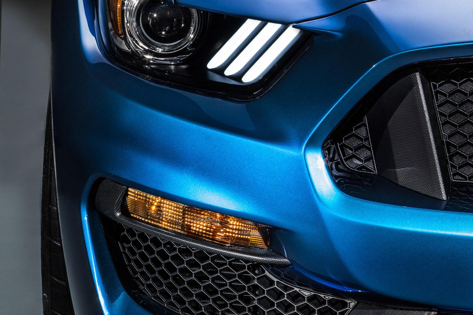 CP-Hệ thống đèn độc đáo của Ford3.jpg