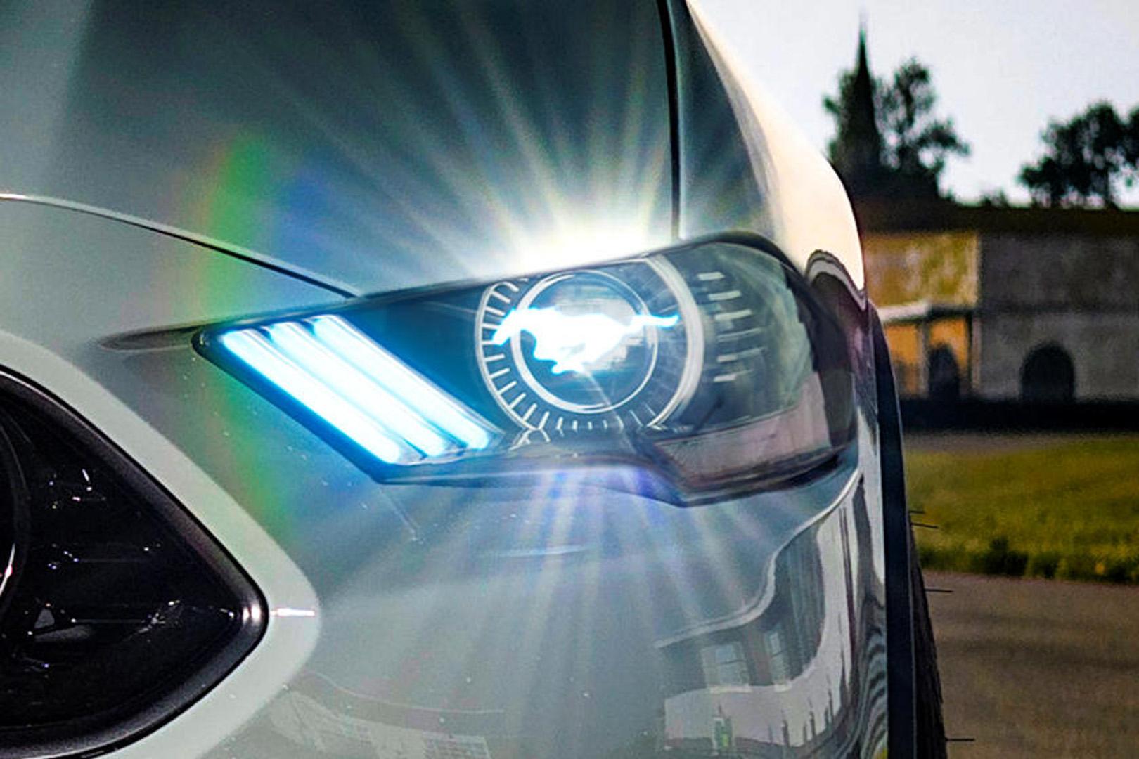 CP-Hệ thống đèn độc đáo của Ford8.jpg
