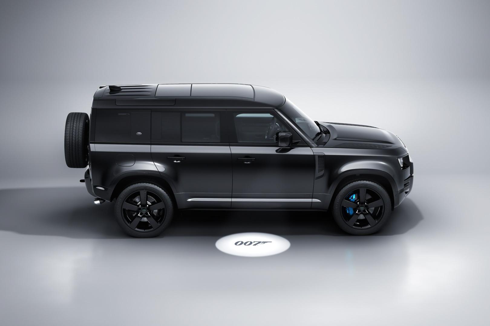 CP-Land Rover Defender V8 Bond Edition (24).jpg