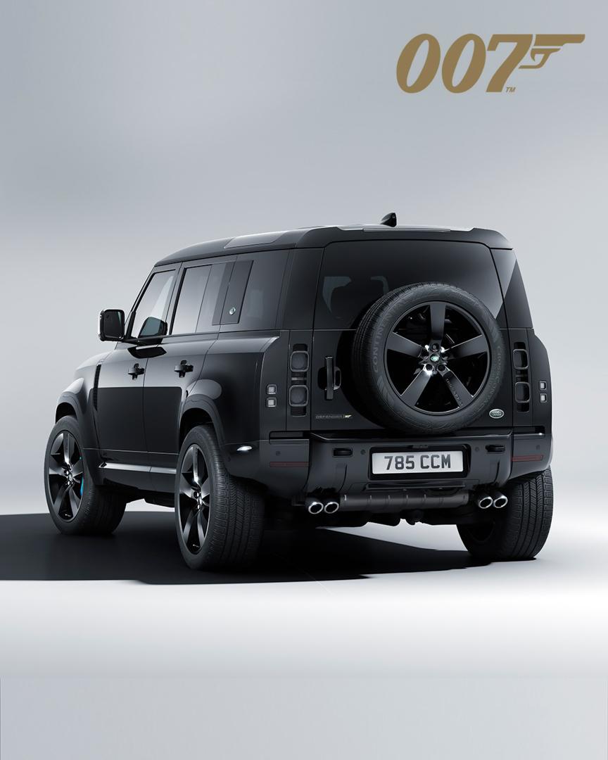 CP-Land Rover Defender V8 Bond Edition (8).jpg