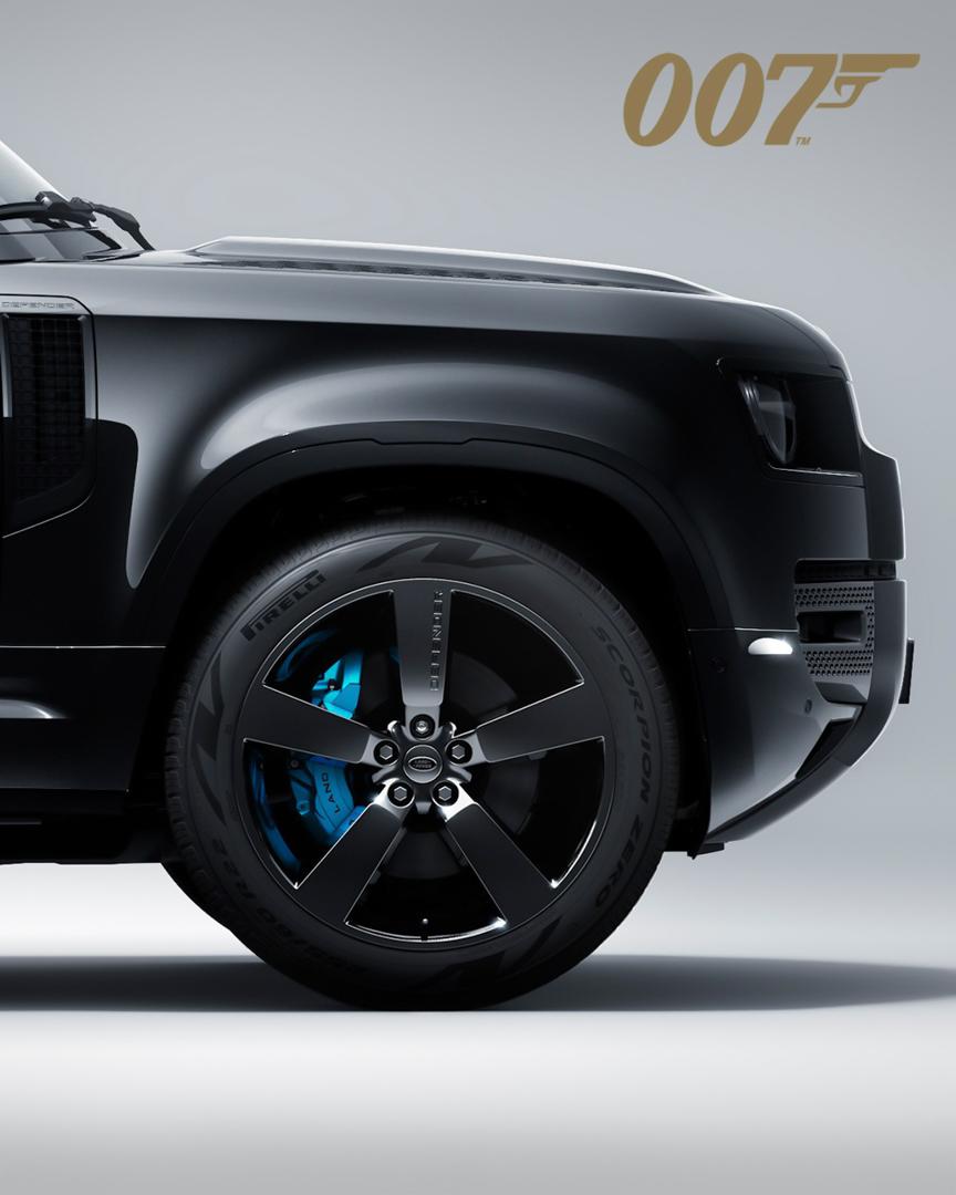 CP-Land Rover Defender V8 Bond Edition (9).jpg
